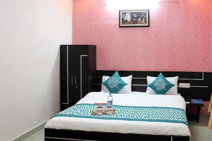 Oyo rooms near mansarovar garden rohtak compare deals for Garden rooms near me