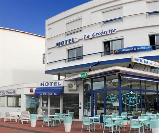 Hotel la croisette royan compare deals for Hotels royan
