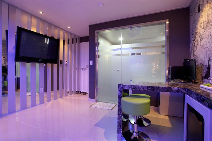 Design hotel daniel campanella seoul compare deals for Design hotel in seoul