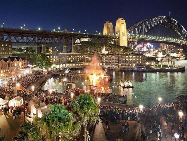 Pier One Sydney Harbour Autograph Collection