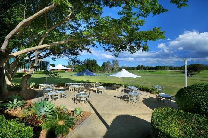 racv royal pines resort gold coast compare deals. Black Bedroom Furniture Sets. Home Design Ideas