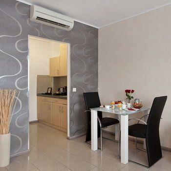 asahi hotel d sseldorf die g nstigsten angebote. Black Bedroom Furniture Sets. Home Design Ideas