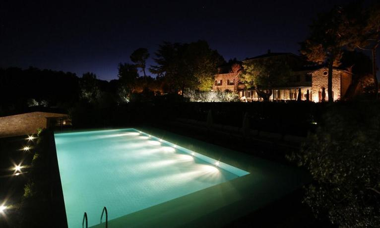 Griffin 39 s lands orvieto compare deals for Hotels in orvieto with swimming pool