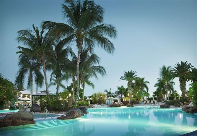 Adrian hoteles jardines de nivaria adeje compare deals for Adrian hoteles jardin de nivaria tenerife