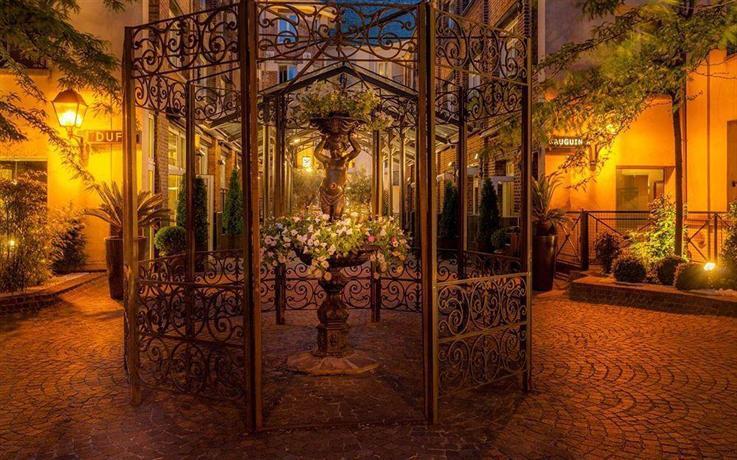 Hotel les jardins du marais paris compare deals for Hotel les jardins paris
