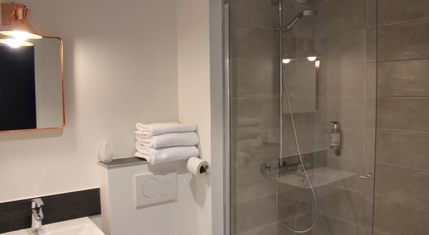h tel la fontaine caen centre comparez les offres. Black Bedroom Furniture Sets. Home Design Ideas