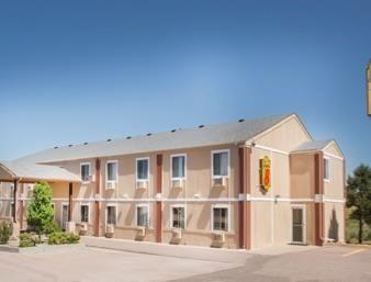 Super 8 Motel Limon