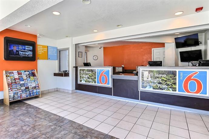 Motel  Hegenberger Oakland California