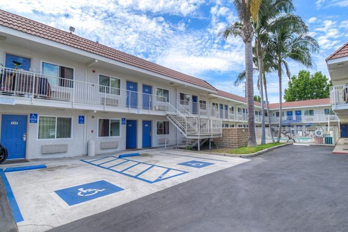 motel 6 costa mesa compare deals. Black Bedroom Furniture Sets. Home Design Ideas