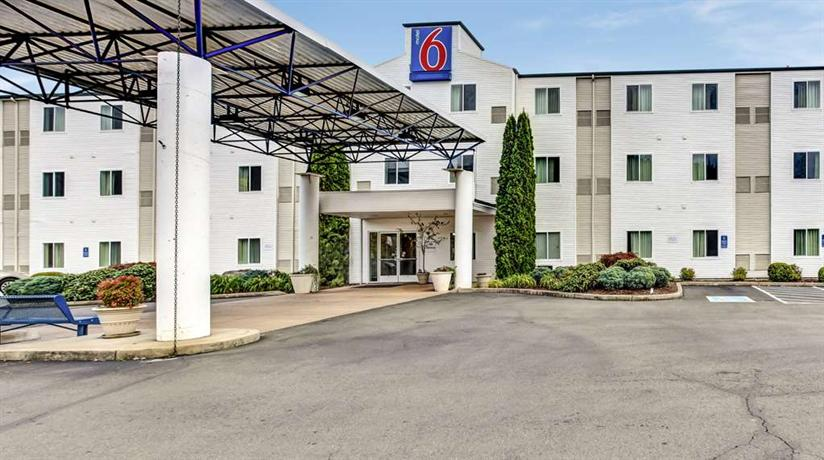 Motel 6 Roseburg