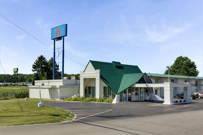Motel 6 Geneva Ohio