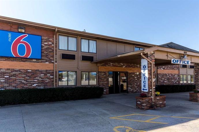 Motel 6 Troy- IL