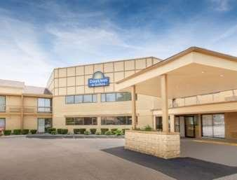 Days Inn and Suites Madison Heights