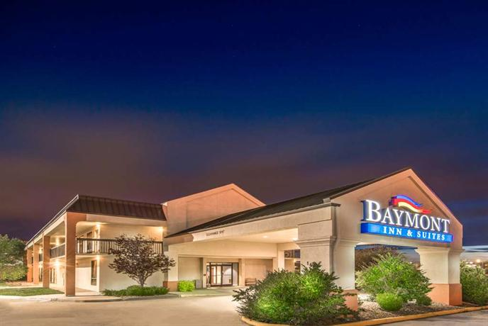 Baymont inn suites topeka compare deals for The baymont
