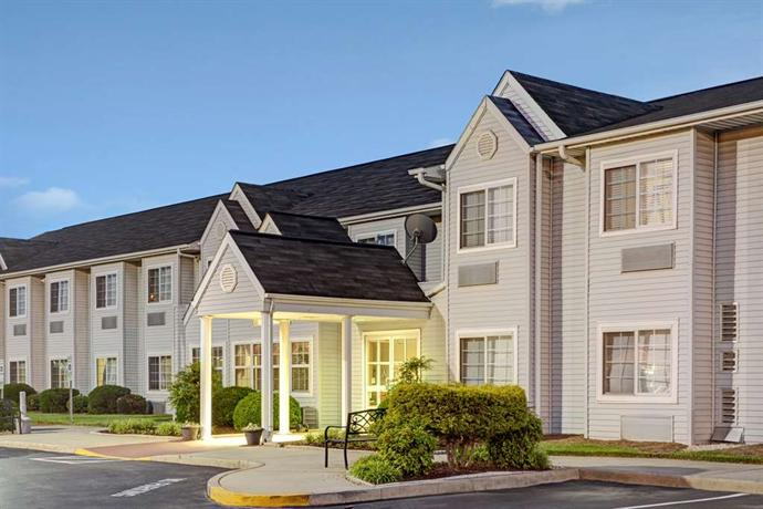 Microtel Inn And Suites Burlington North Carolina
