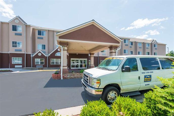 Microtel Inn & Suites Airport Kansas City