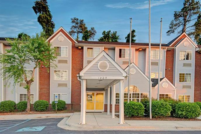 Microtel Inn & Suites Raleigh