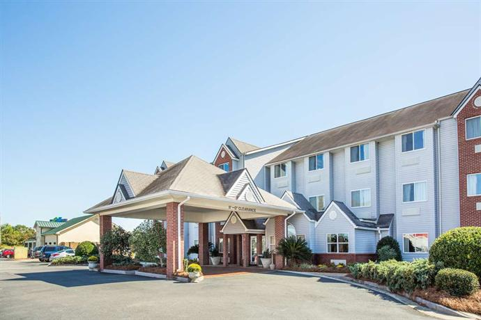 Microtel Inn & Suites Tifton