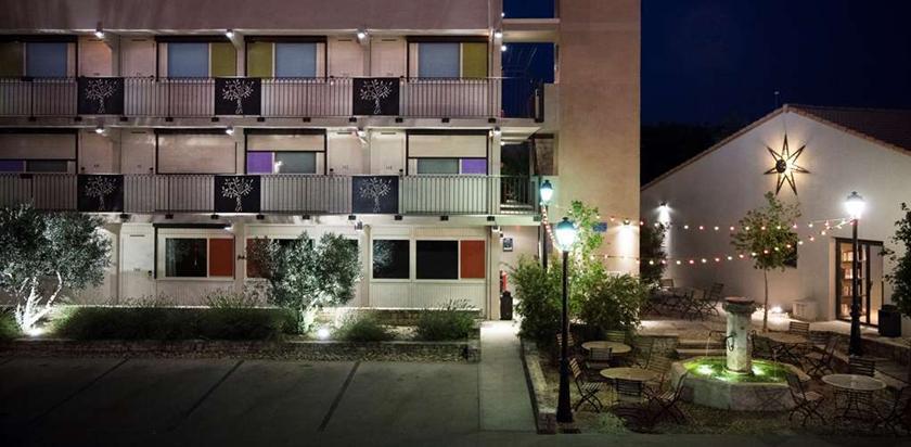 hotel kyriad avignon le pontet compare deals. Black Bedroom Furniture Sets. Home Design Ideas