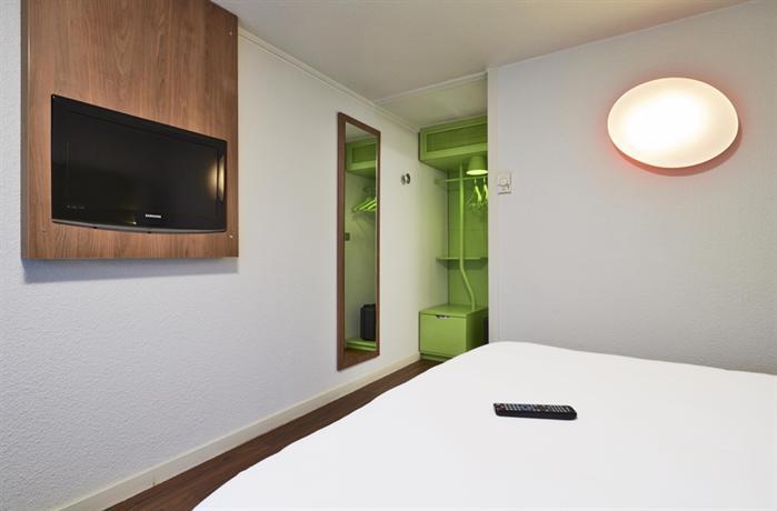 h tel campanile grenoble sud saint martin d 39 h res saint martin d 39 h res comparez les offres. Black Bedroom Furniture Sets. Home Design Ideas
