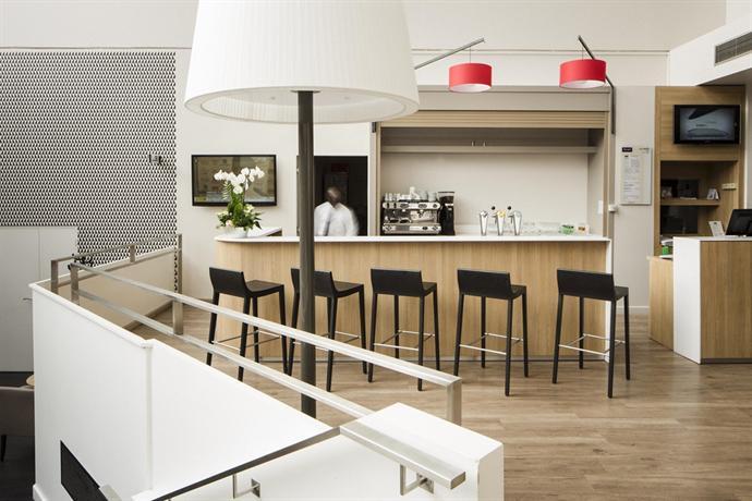 kyriad paris est porte de bercy saint maurice saint maurice compare deals. Black Bedroom Furniture Sets. Home Design Ideas