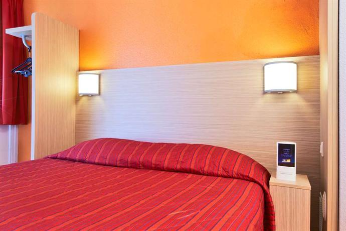 Hotel La Ville Du Bois - Premiere Classe Hotel La Ville du Bois, La Ville du Bois Compare Deals
