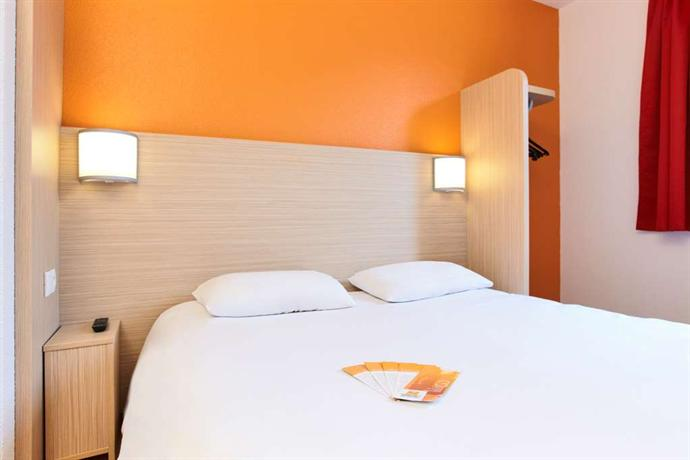 premiere classe lyon sud pierre benite hotel irigny compare deals. Black Bedroom Furniture Sets. Home Design Ideas