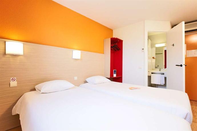 premiere classe valenciennes ouest petite foret compare deals. Black Bedroom Furniture Sets. Home Design Ideas