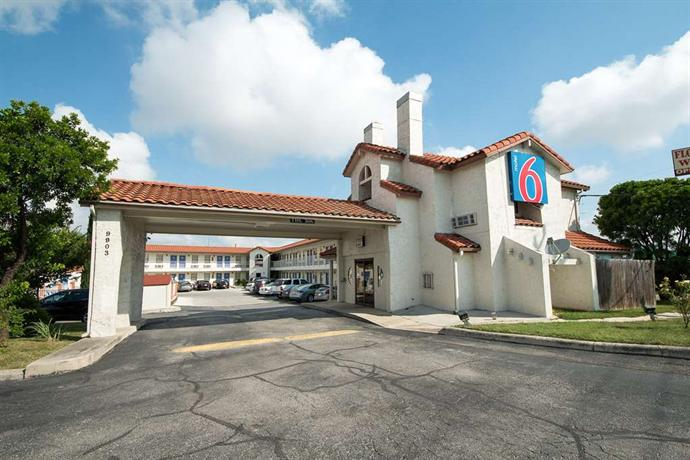 Motel  Windcrest