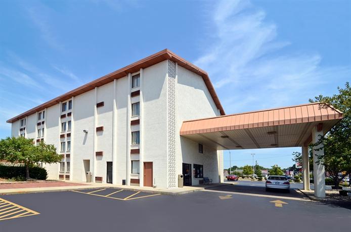 Americas Best Value Inn - Bell Tower Inn