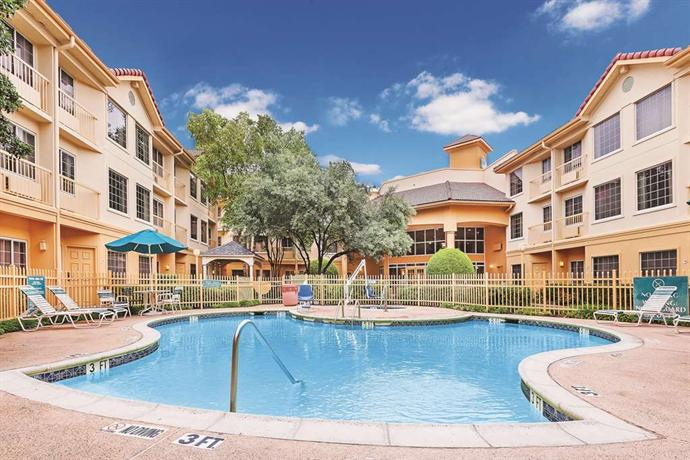 La Quinta Inn and Suites Dallas Addison-Galleria