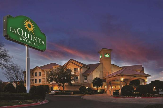 La Quinta Inn & Suites Dallas DFW Airport North Irving
