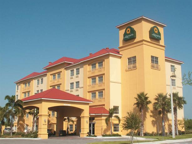 La Quinta Inn & Suites Fort Pierce