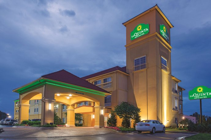 La Quinta Inn and Suites Tulsa Airport