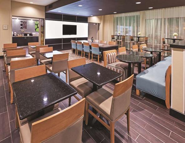 Inn suites wichita falls msu area compare deals for Pool and spa show wichita ks