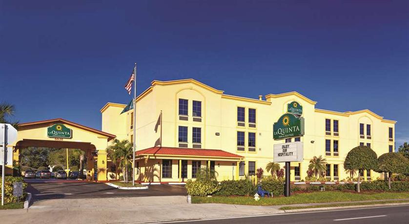 La Quinta Inn & Suites St Petersburg Northeast