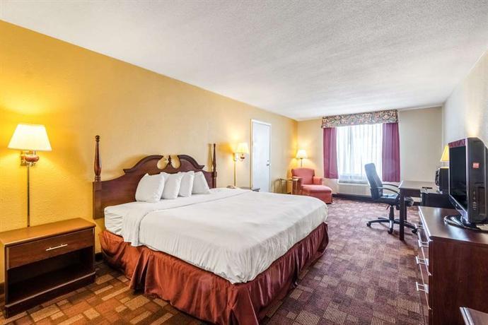 Chambersburg Hotels Meeting Room
