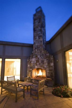 The Lodge And Spa At Callaway Gardens Autograph Collection, Pine Mountain    Compare Deals