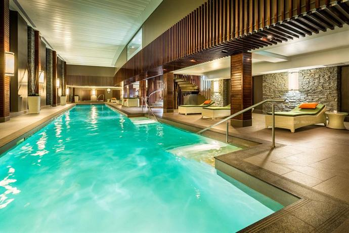 Hilton queenstown resort spa compare deals for Design hotel queenstown