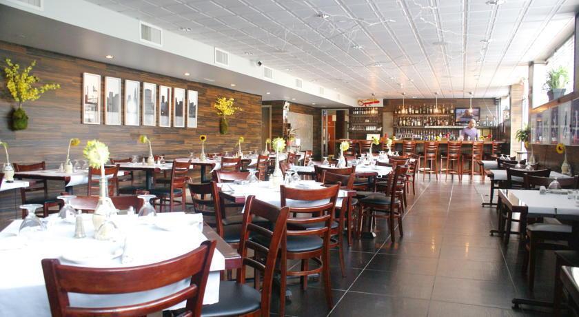 Wyndham Garden Long Island City Manhattan View Hotel New York City Compare Deals