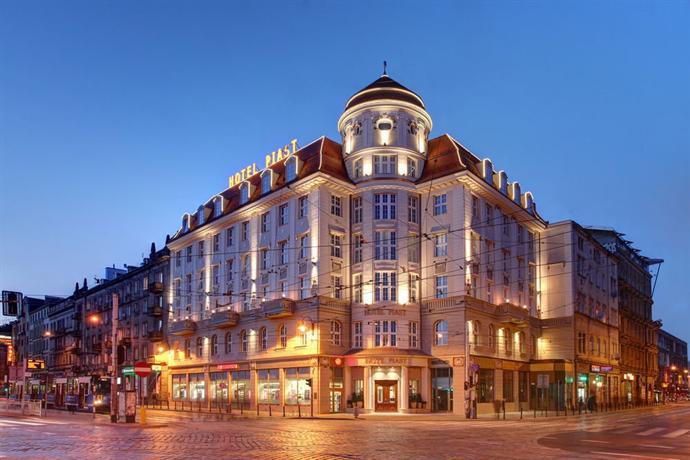 Hotel piast wroclaw hotels wroclaw for Hotels wroclaw
