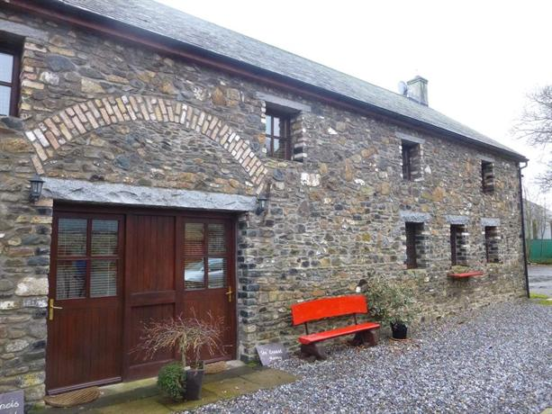 Belan Lodge - Courtyard Accommodation The Francis Richard