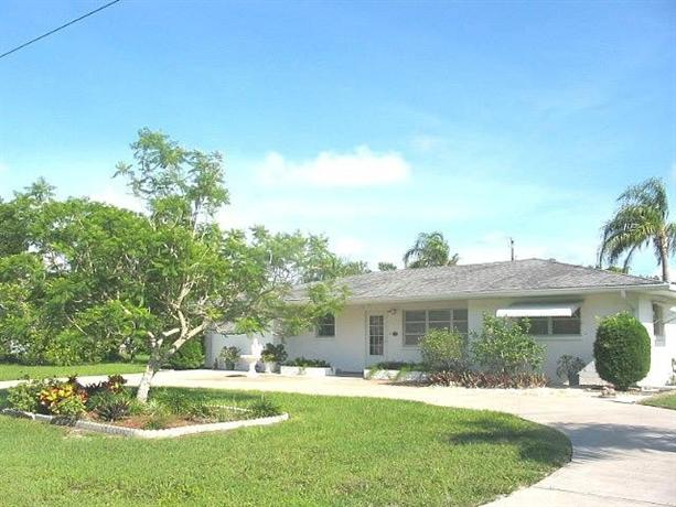 Baycrest Holiday Home 433
