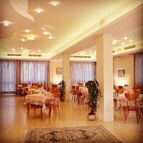 Hotel La Terrazza Porto San Giorgio - Compare Deals