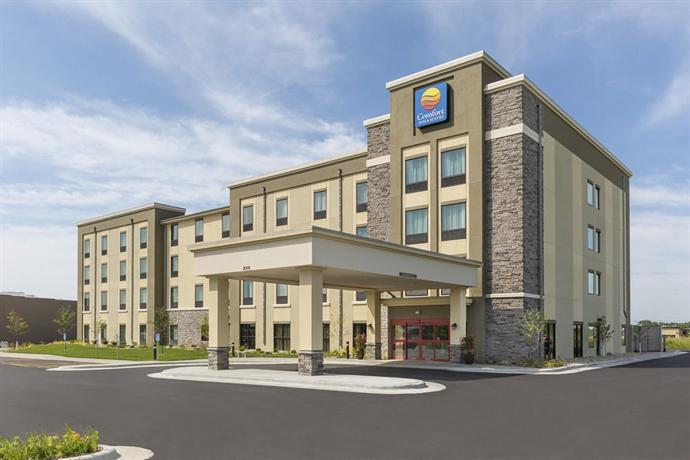 Comfort Inn Amp Suites Rochester Compare Deals