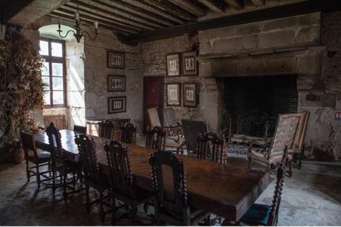 chateau de chemery noyers sur cher compare deals. Black Bedroom Furniture Sets. Home Design Ideas