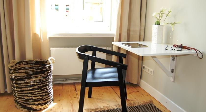 wohnen im denkmal mit geschmack und komfort. Black Bedroom Furniture Sets. Home Design Ideas