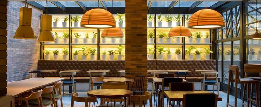 Praktik vinoteca hotels barcelone for Comparateur de prix hotel espagne