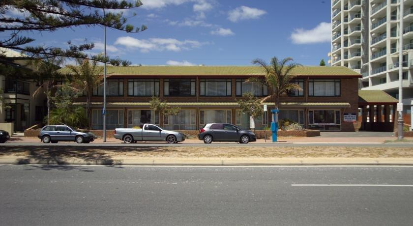 Buffalo motor inn adelaide compare deals for Buffalo motor inn glenelg