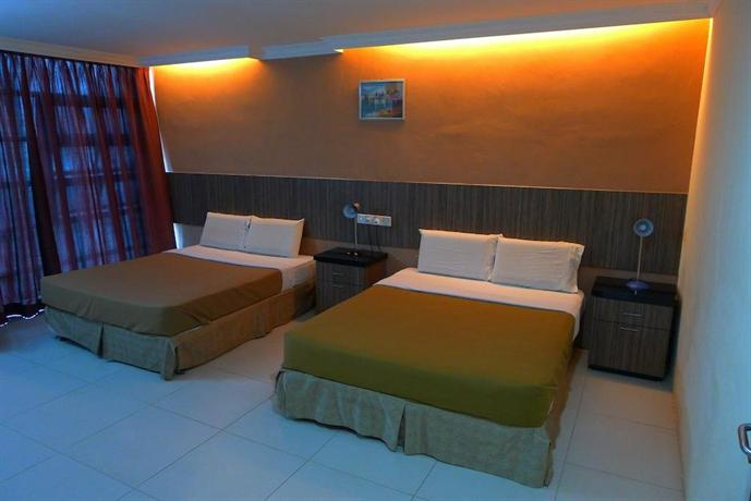 About Crystal City Hotel
